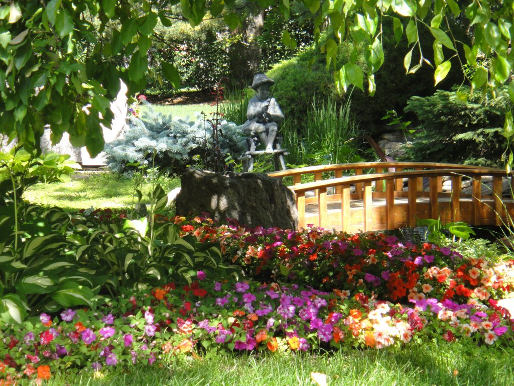 Landscaping design denver landscape design service a for Perfect garden design